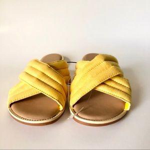 Mustard Yellow Women's Puffer Slides NWOT